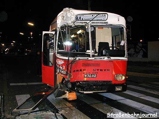 8443 Unfall Wehlistraße